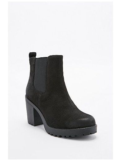 http://sellektor.com/user/dualia/collection/vagabond Vagabond Grace Nubuck Chelsea Boots in Black