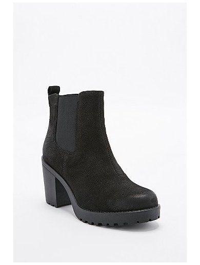 http://sellektor.com/user/dualia/collection/vagabond Vagabond Grace Nubuck Chelsea Boots in Black