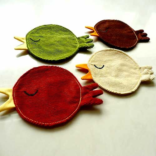 I'm not in need of coasters but these would make a great appliqué patch on a pair of jeans...