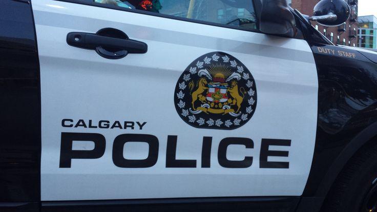 Calgary police shoot at fleeing vehicle - 660 News