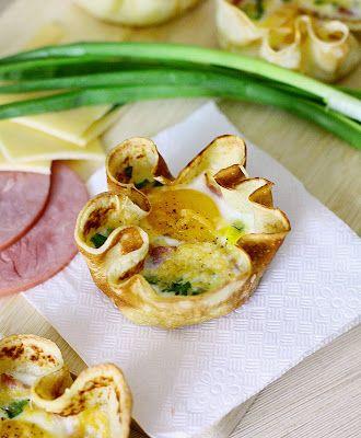 Кулинарное вдохновение: Блинные корзиночки с яичницей и ветчиной