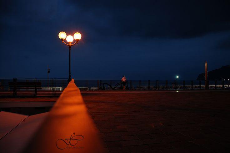 Alzarsi presto, quando ancora tutti dormono per poter fotografare... #spotorno #liguria #noli #mare #estate