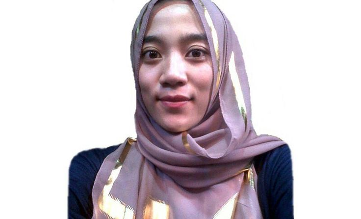 Rahmi Sri Awalianti, 21 years old from Indonesia. View her full biography and vote her to be The World Muslimah 2014. http://tinyurl.com/wma2014-09071749 #nominee #onlineaudition #WorldMuslimah2014