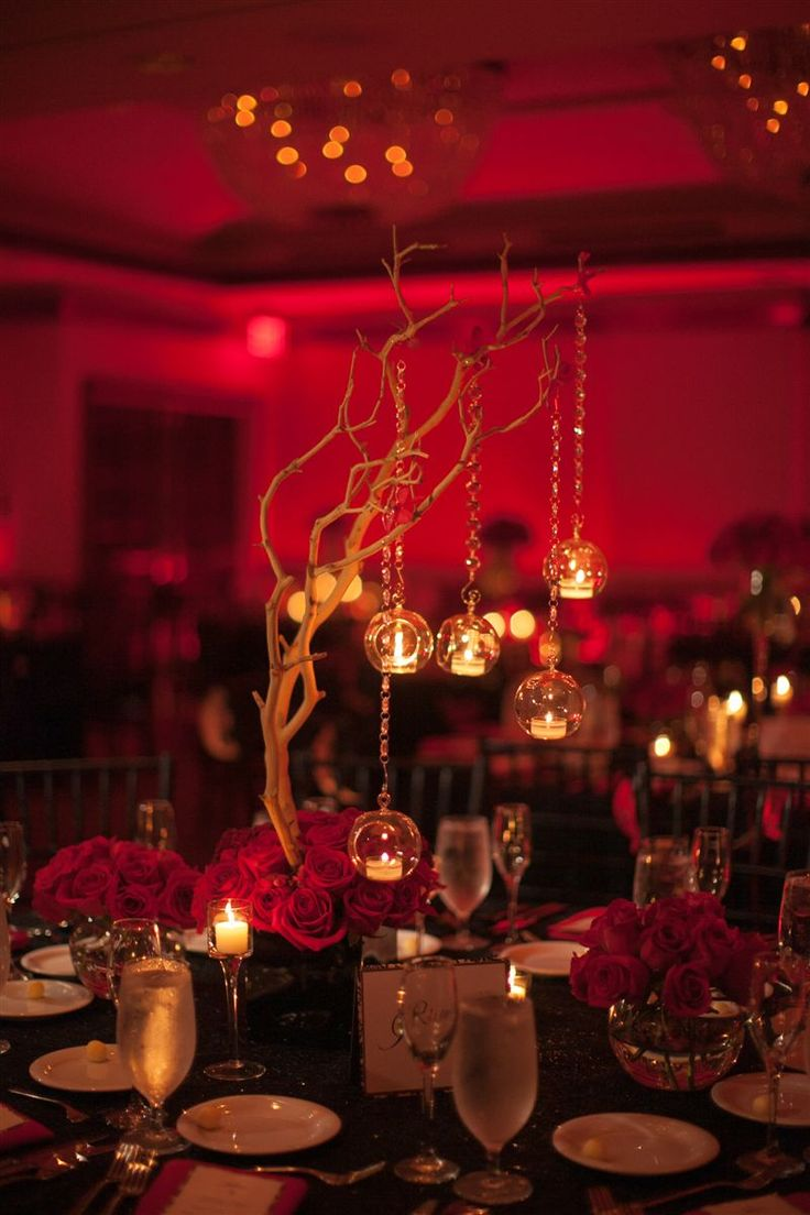 Black & Red Wedding Centerpieces- www.armoniapr.com