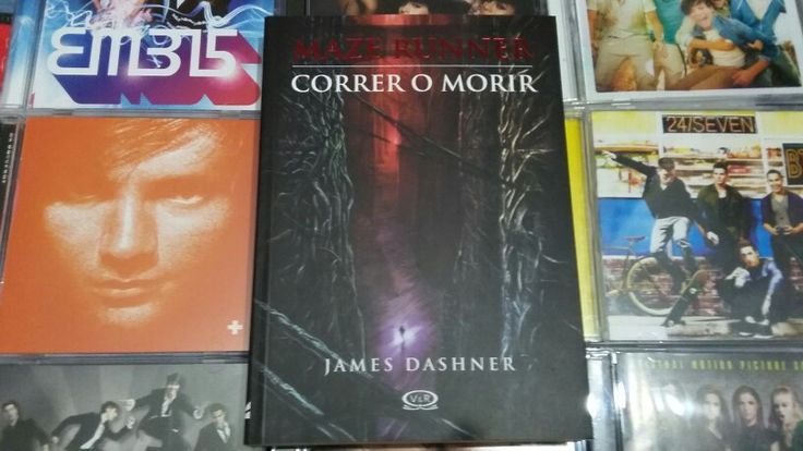 """Maze Runner: Correr o Morir"" escrito por James Dashner (Portada Original):"