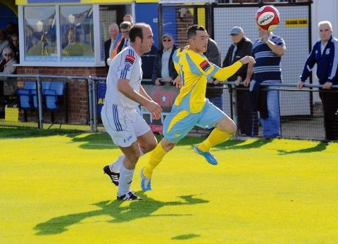 CANVEY Island conceded two late goals to draw 2-2 with fellow strugglers VCD Athletic.