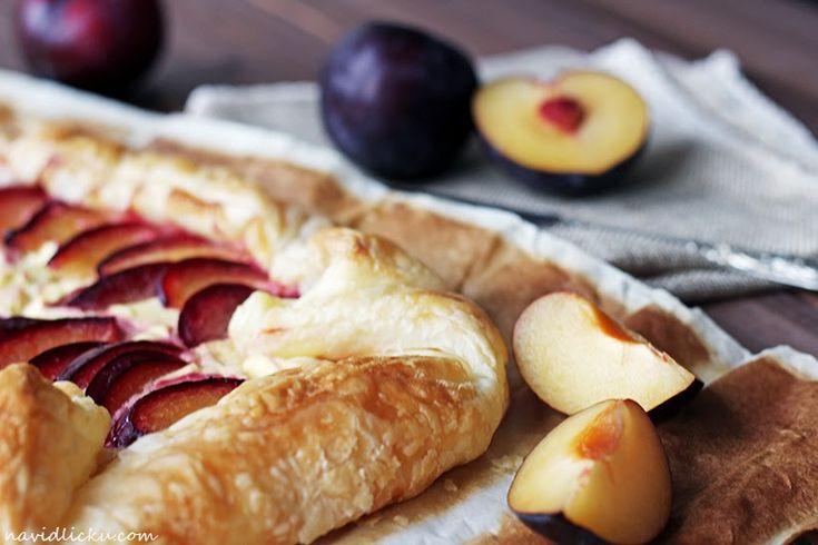 Puff Pastry Plum Pie / Listový koláč s tvarohem a blumami | Na vidličku food blog