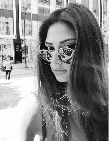 athiya shetty instagram