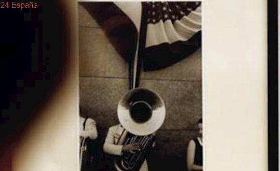 El IVAM muestra «pequeñas joyas» de la fotografía inconformista y sin límites de Robert Frank