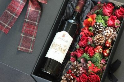 Flower Box with Wine. Christmas~ by Tempting Tulips