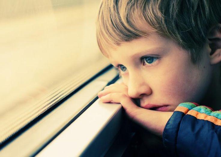 Mielenterveyshäiriöt yhdistettynä suvaitsemattomuuteen lasta kohtaan lisäävät masentuneisuutta.