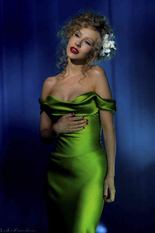 Christina Aguilera Sexy Green Off-the-shoulder Prom Dress in Burlesque …