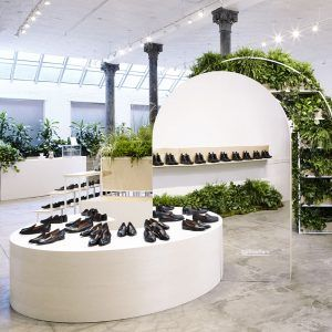 US Set Design Studio Robert Storey Has Designed A Plant Filled Temporary  Retail Space For