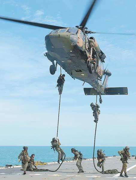 Australian Special Forces soldiers (SASR)