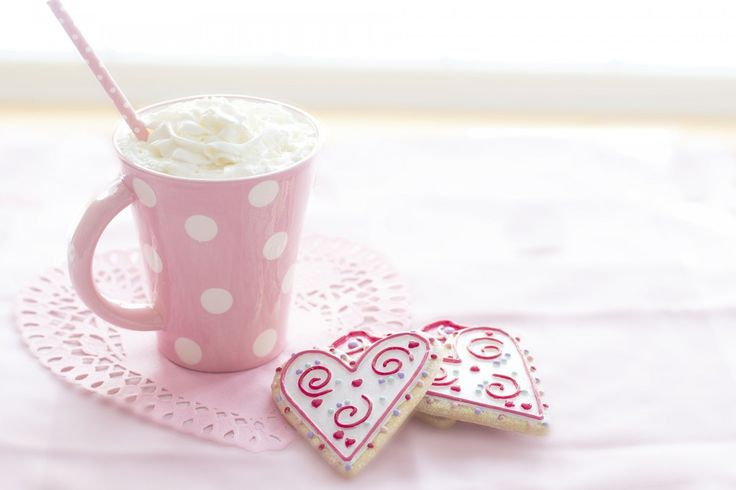 #drinken #foto #gratis #koekje #koffie #liefde #rood #roze #slagroom #vakantie #valentijn #warm #winter