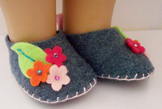 FELT DOLL SHOES, Fits American Girl Doll- make house shoes for dolls