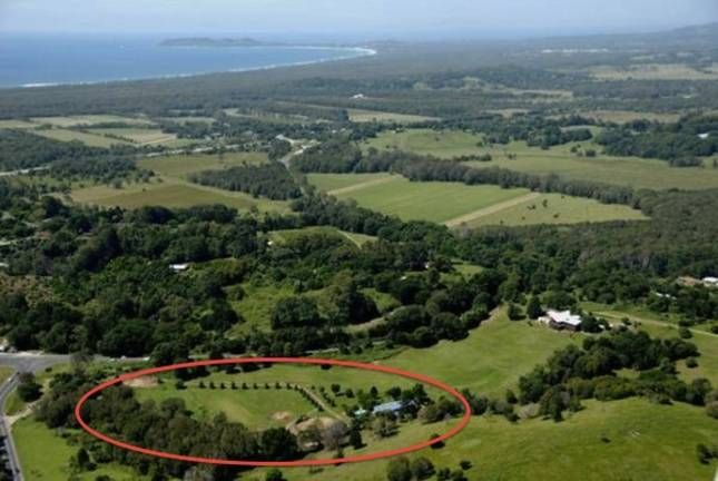 Big Blue Barn - 12 acres - in, a Mullumbimby House | Stayz