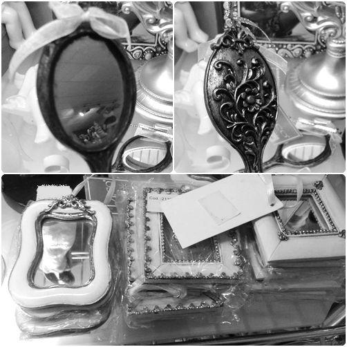 Preciosos espejos estilo victoriano en nuestra tienda. http://decospacio.blogspot.com.es/2013/10/novedades-de-la-semana-vii.html #homedeco #victorian #decoracion