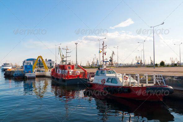 Anchored towboats