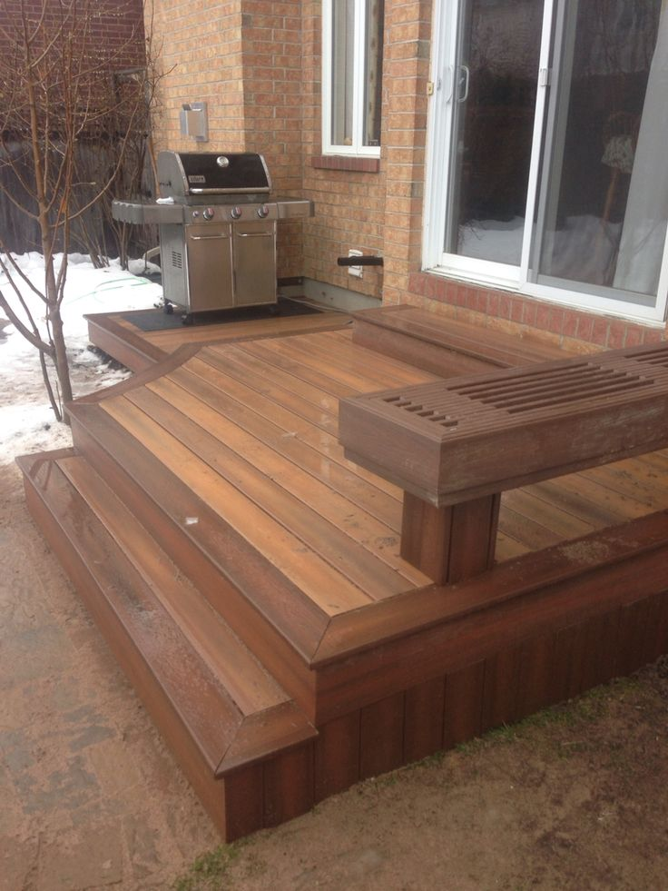 Fiberon composite deck with a curve in ottawa built by for Deck planner tool