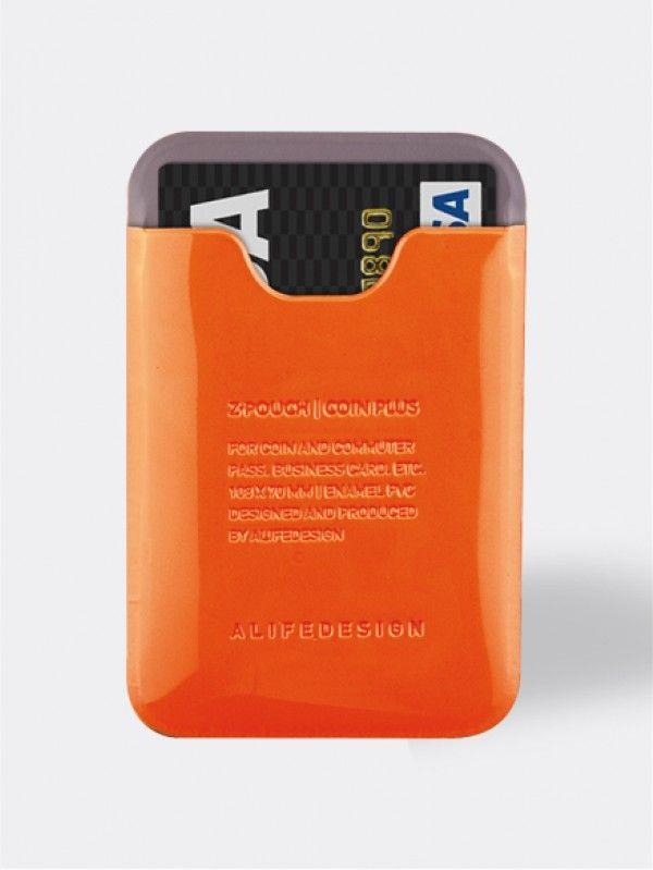 Mini portemonnee Alife Oranje. Kleine etui met een vak voor kleingeld, afgesloten met een rits en achterzijde voor bijvoorbeeld ID-kaart, creditcard, visitekaartjes etc. Afmetingen: 75 x 100 mm.
