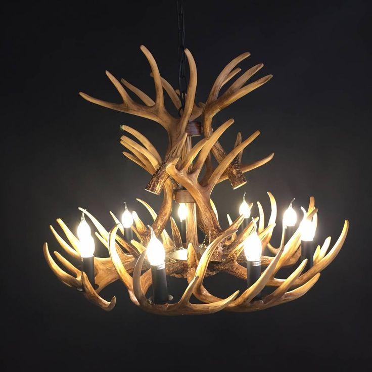 Zeer gave lampen gemaakt van herten gewei. Verkrijgbaar als plafondlamp, hanglamp en kroonluchter.