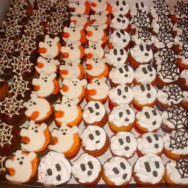 Happy Halloween les desea #SoSweet! - #CupcakeFactory #Cupcakes #Halloween #Bogotá www.SoSweet.com.co