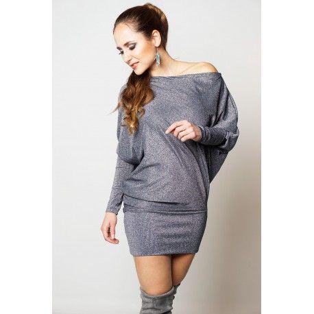 Stylewear sælger dametøj og tasker i Danmark. Hvis du vil se mere til denne kjole så besøg Stylewear.dk