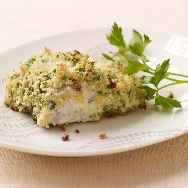 Macadamia encrusted Mahi Mahi.  Sounds fancy but it's super easy and works well with just about any thin fish fillet and any kind of nuts. Try striped bass with pecans or salmon with pistachios. #recipe #WWLoves