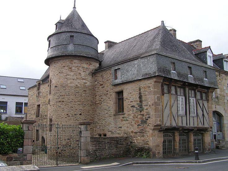 Photo du Monument Historique Manoir de Langonaval situé à Lannion, France