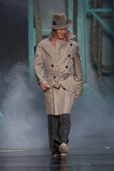 Christian Dior at Paris Fashion Week Spring 2010 - Runway Photos