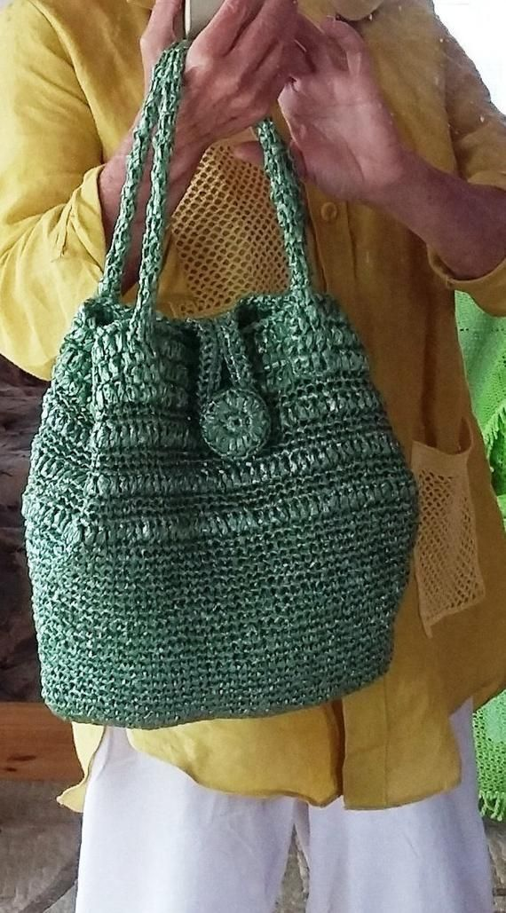 Bolso de color cómodo cuya forma se puede cambiar es perfecto para ir de compras o playa