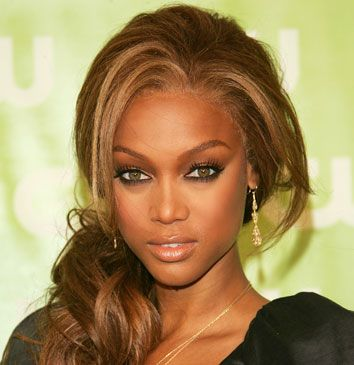 Celebrity hairstyles always lead the way in setting new hairstyle trends. If you want to be on the cutting edge of style, don't miss this.Tyra Banks in a sexy side ponytail hairstyle