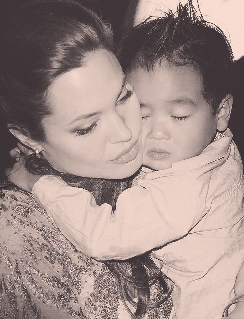 angelina jolie - what a beautiful photo with her son. ♥