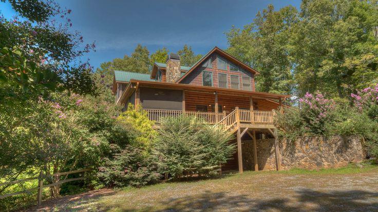 Beary Delightful Rental Cabin - Blue Ridge, GA