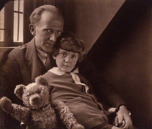 Алан Милн и настоящие Кристофер Робин и тот самый медведь Пух