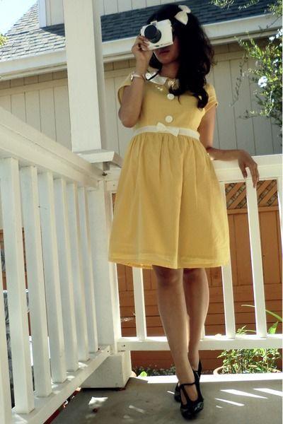 Vestido baby-doll amarelo no estilo vintage - http://vestidododia.com.br/modelos-de-vestido/vestidos-baby-doll/vestidos-baby-doll/ #fashion #vintage #dresses