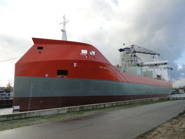 http://koopvaardij.blogspot.nl/2016/11/bouwnummer-766.html NB 766  imonummer 9781516 Casco gebouwd in Stettin, Polen en heeft als naam FURUVIK gehad