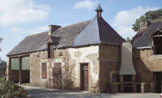 Ancienne grange et pigeonnier, Trévérien