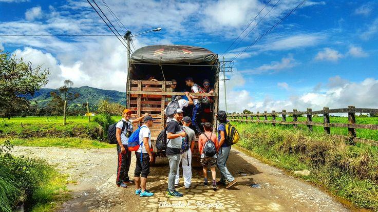 Aventura trekking en san pedro de los milagros antioquia Colombia hiking rural caminata