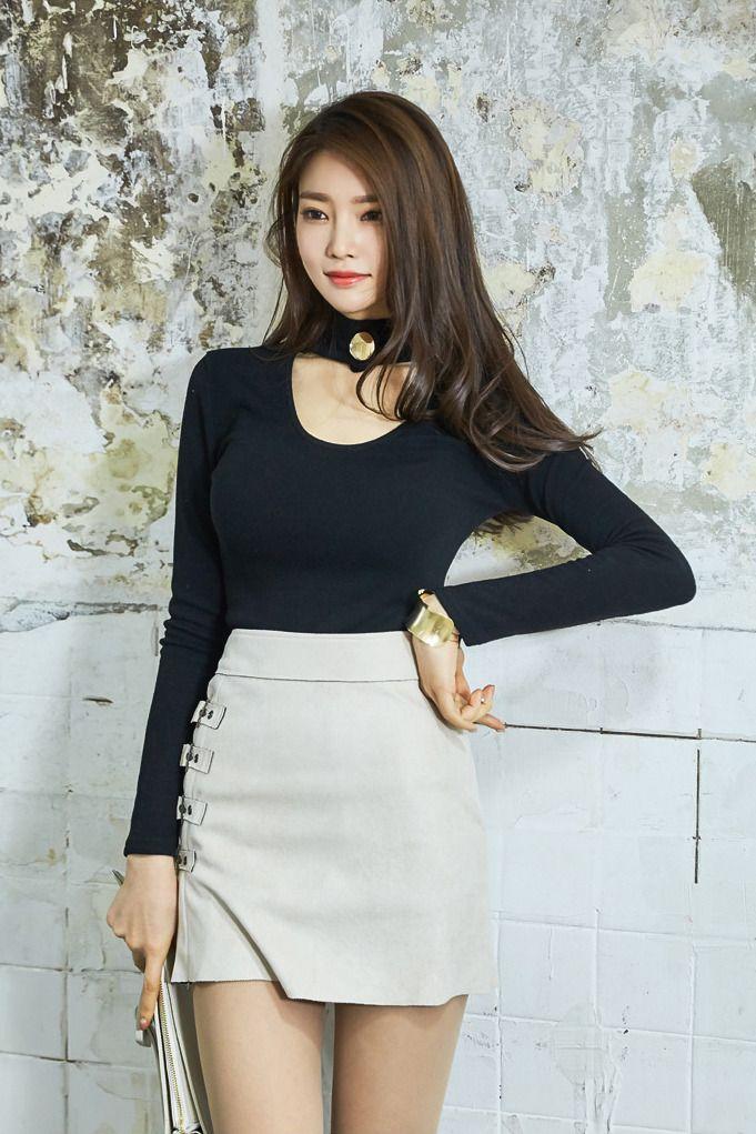 Pin By Mishal Aldarweesh On Korean Babes  Mini Skirts -4747