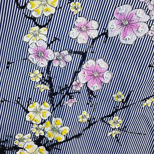 【niaokada】さんのInstagramをピンしています。 《god natt🌸💐🌼 #godnatt #gn #zara #flower #sakura #bijou #stripe #stripeshirt #backprint #shirt #clothes #outfitoftheday #outfit #ootd #godnatt #gn #like4like #lfl #花 #桜 #ビジュー #ストライプシャツ #シャツ #服 #セルフィー #shopaholic #土夜は夜更かし #🌸》
