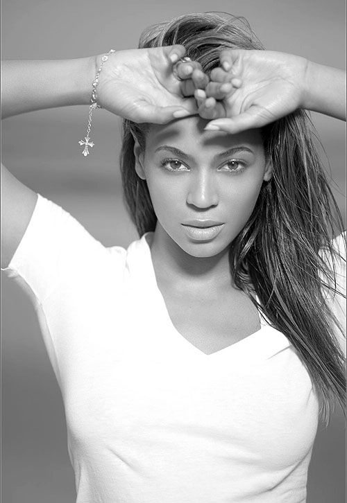 Beyonce au-natural - which a whole host of celebrities and models are embracing right now, see our 'Where's Your Make-Up?' post for more. http://www.ukmodels.co.uk/blogs/Welcome-to-UK-Models-blog/February-2013/Where's-your-make-up.aspx