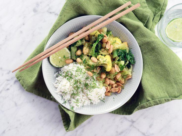 Vegansk currygryta med kokos och kål | Recept från Köket.se
