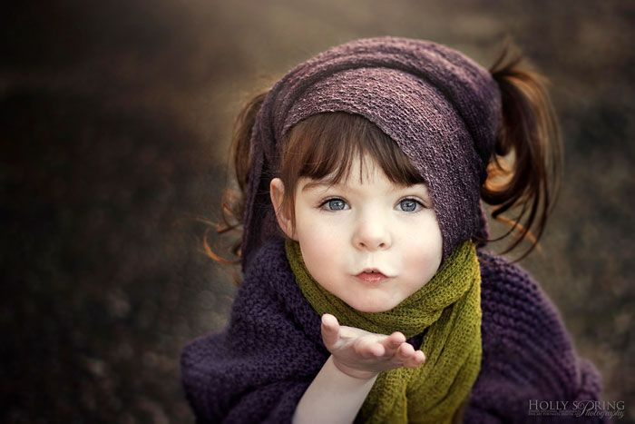 A Loving Mother takes Stunning Photos of her Beautiful One-Handed Daughter