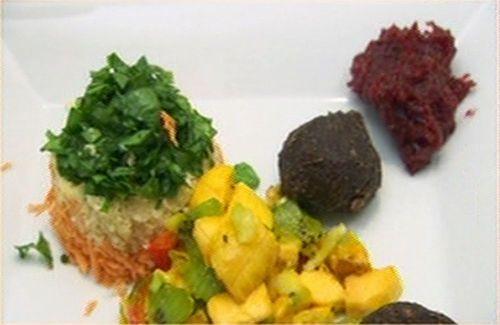 Raw spicy Caribbean balls - Gina Yashere on CDWM
