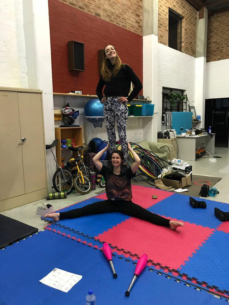 Circus sisters!