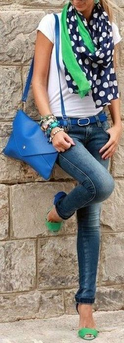Skinny Jeans w/ Blue & Green // Love this Color Combination ♡