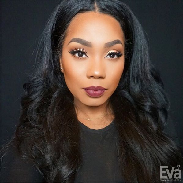 Look at the super natural hairline! Babe @tiahassell curled her @evawigs u-part wig U018 herself! Loving her makeup!www.evawigs.com #evawigs #eva #upart #fulllacewigs #makeup #hairinspiration #instagood #stunner