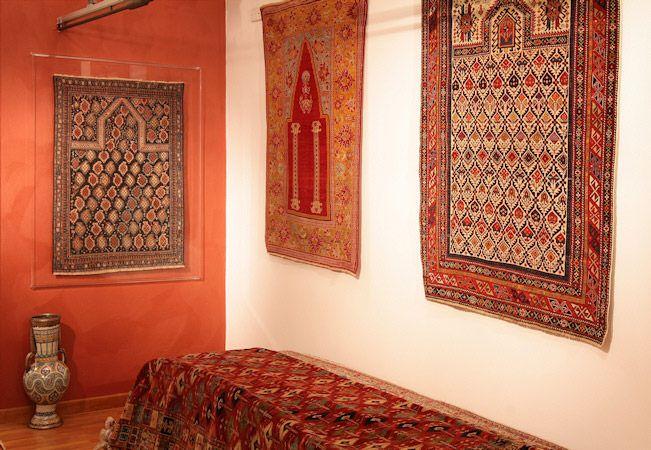ANTIQUE CAUCASIANS PRAYERS RUGS• Showroom tappeti - Splendide foto dei nostri pezzi di arredamento, consulta le immagini e approfitta delle nostre offerte!